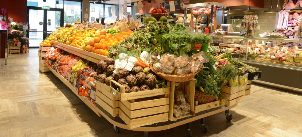 Reparto ortofrutta di un supermercato Coop.fi Unicoop Firenze