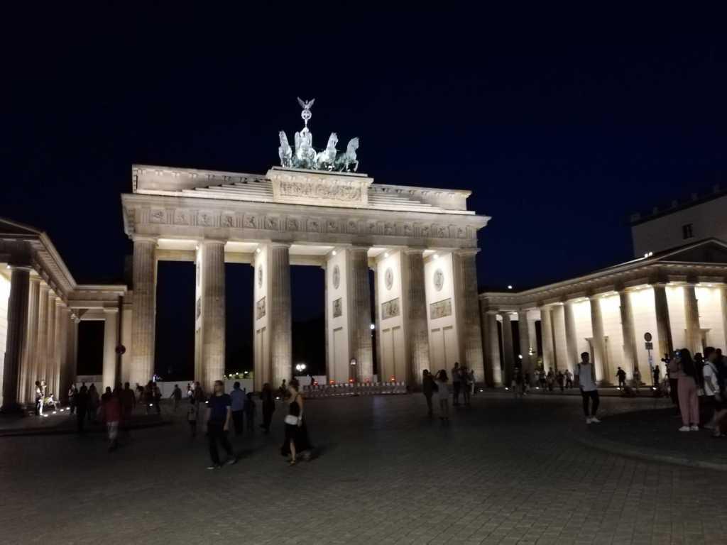 Cronaca infedele del crollo del Muro di Berlino