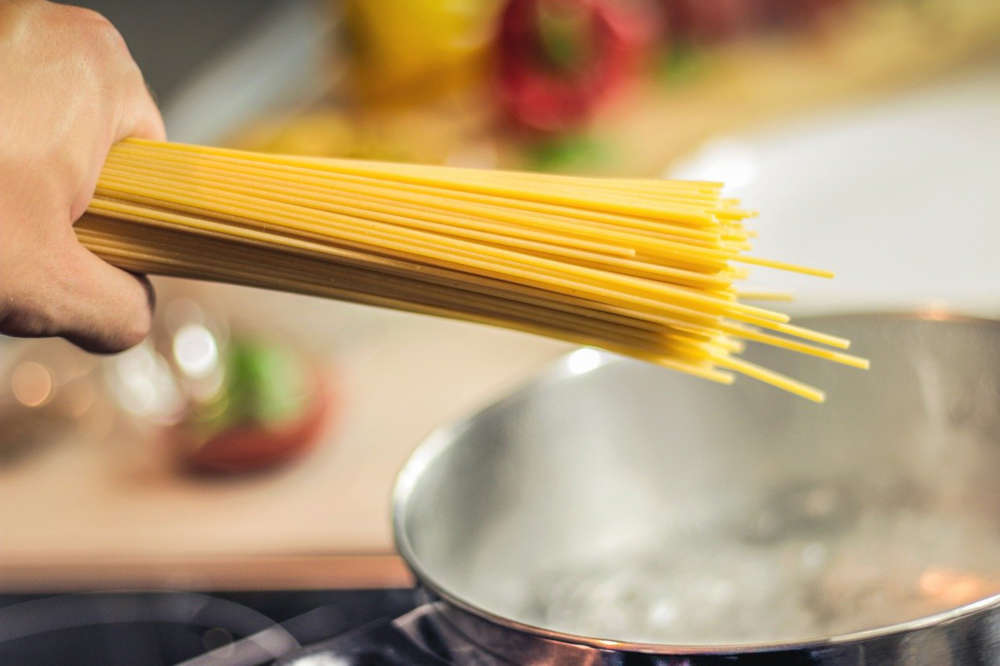 Spaghetti olio e parmigiano