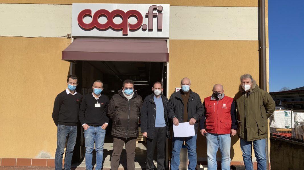 Impruneta- Tavarnuzze: consegnato buoni spesa Unicoop Firenze alla Caritas